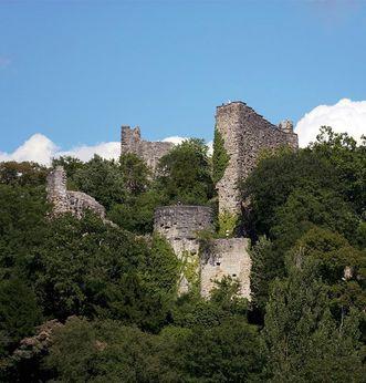 Teilansicht der Burgruine Badenweiler